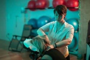 Image massage sur chaise